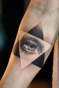 一组眼睛主题的纹身图案欣赏