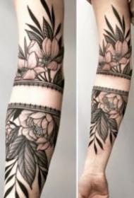 9张包小手臂的图腾梵花纹身图案