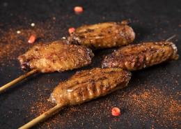 美味好吃的烤鸡翅图片(9张)