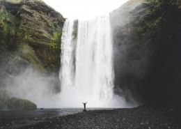 飞流直下的瀑布图片(14张)
