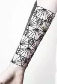 一波时尚简约几何线条纹身9张