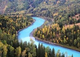 新疆喀纳斯迷人的秋季自然风景图片(9张)