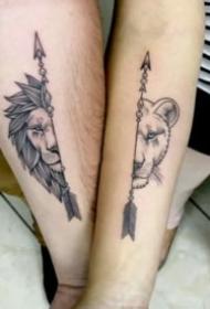 适合情侣的9组小清新成对纹身图案