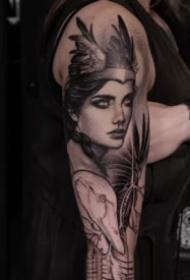 欧美女郎的极致甩针纹身女郎作品9张