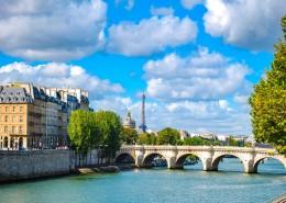 法国塞纳河畔自然风景图