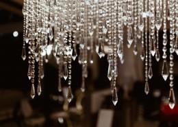 亮晶晶的水晶吊灯图片(1
