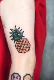9张凤梨和菠萝的纹身图