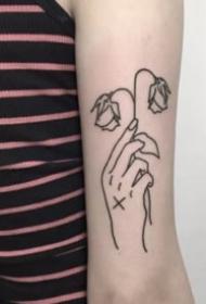 9张简约风格的手势纹身