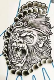 手背上的一组般若纹身效果图欣赏