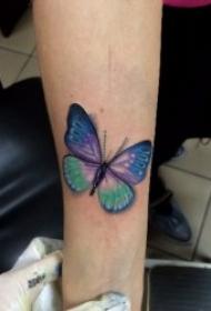 纹身小蝴蝶图案  轻捷飘逸的小蝴蝶纹身图案