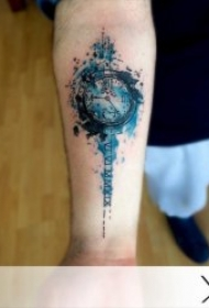 钟表纹身图案  分秒时刻滴答的钟表纹身图案