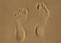 沙滩上的脚印高清图片(11张)