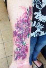 纹身图花朵   9张婀娜多姿的花朵纹身图案