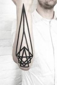 几何图形纹身 神秘黑灰色调的几何图形纹身图案
