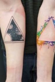 纹身三角形  设计感十足的三角形纹身图案