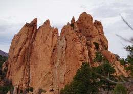 红色的岩石图片(11张)