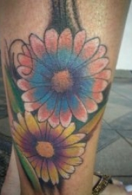 彩色花朵纹身图案 漂亮且唯美的彩色花朵纹身图案