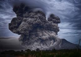 火山爆发的场面图片(10张)