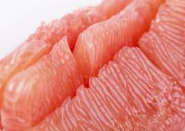 剥开的新鲜红心蜜柚图片(11张)