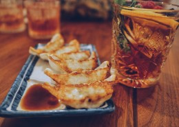 金黄色的煎饺图片(12张)