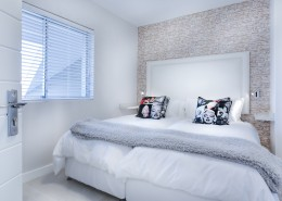 舒适整洁的双人床图片(15张)