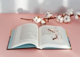 书本和眼镜的图片(12张)