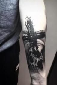 纹身十字架 9张西方宗教的十字架纹身图案