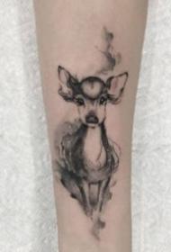 小鹿头纹身 9张小清新的小鹿和鹿头纹身图片