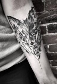 包小臂点线纹身 一组黑灰和点刺结合的点线设计包小臂纹身图案