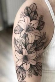 17组漂亮的黑灰点刺纹身小图片