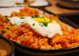 碗里的米饭和炒饭图片(11张)