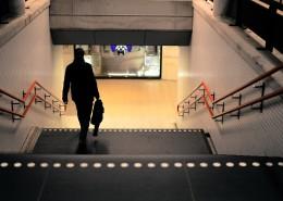 走楼梯的人图片(14张)