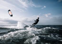 海上的滑水运动图片(11