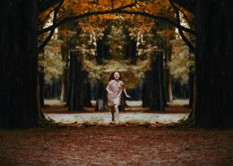 树林中的小女孩图片(12张)