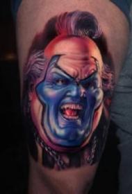 恐怖电影的人物肖像纹身