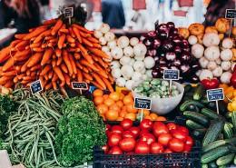 蔬菜摊上新鲜的蔬菜图片(10张)