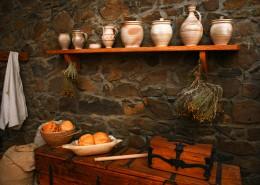 古建筑里的厨房图片(9张)
