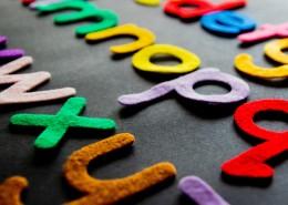 五彩斑斓的英文字母素材