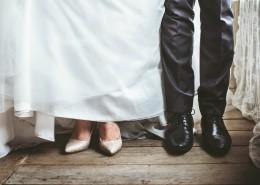 穿礼服婚纱的新郎新娘图片(10张)