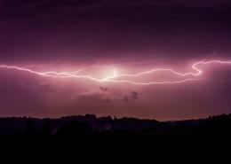 夜空中的闪电图片(11张)