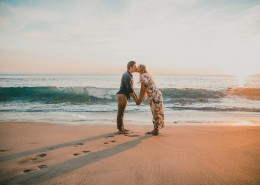 接吻的情侣图片(12张)