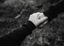 牵在一起的手图片(11张)