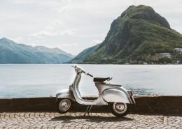 白色的摩托车图片(9张)