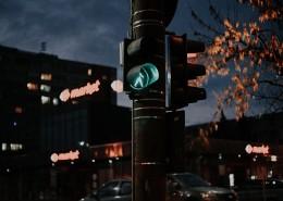 路上的交通信号灯图片(1