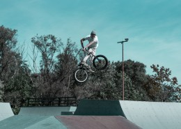 玩极限单车的人图片(10