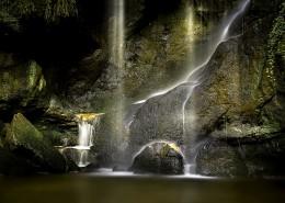 山涧瀑布图片(12张)