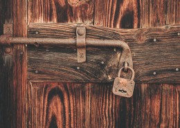 上锁的门图片(12张)