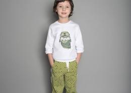 展示童装的小男孩图片(12张)