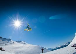 滑雪的青年图片(12张)