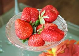 鲜红酸甜可口的草莓图片(15张)